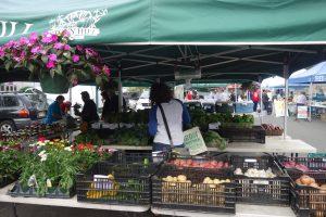 2farmers market